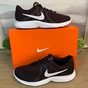NEW Nike Revolution 4 Sneaker 7.5, 8, 8.5, 9